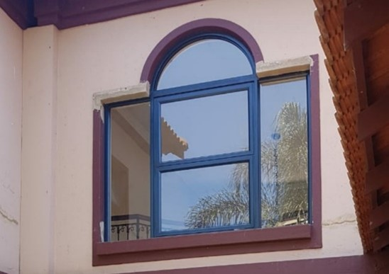 Swift 30.5 Arched Top Hung Window, Charcoal, 6.38 Laminated Clear Glass