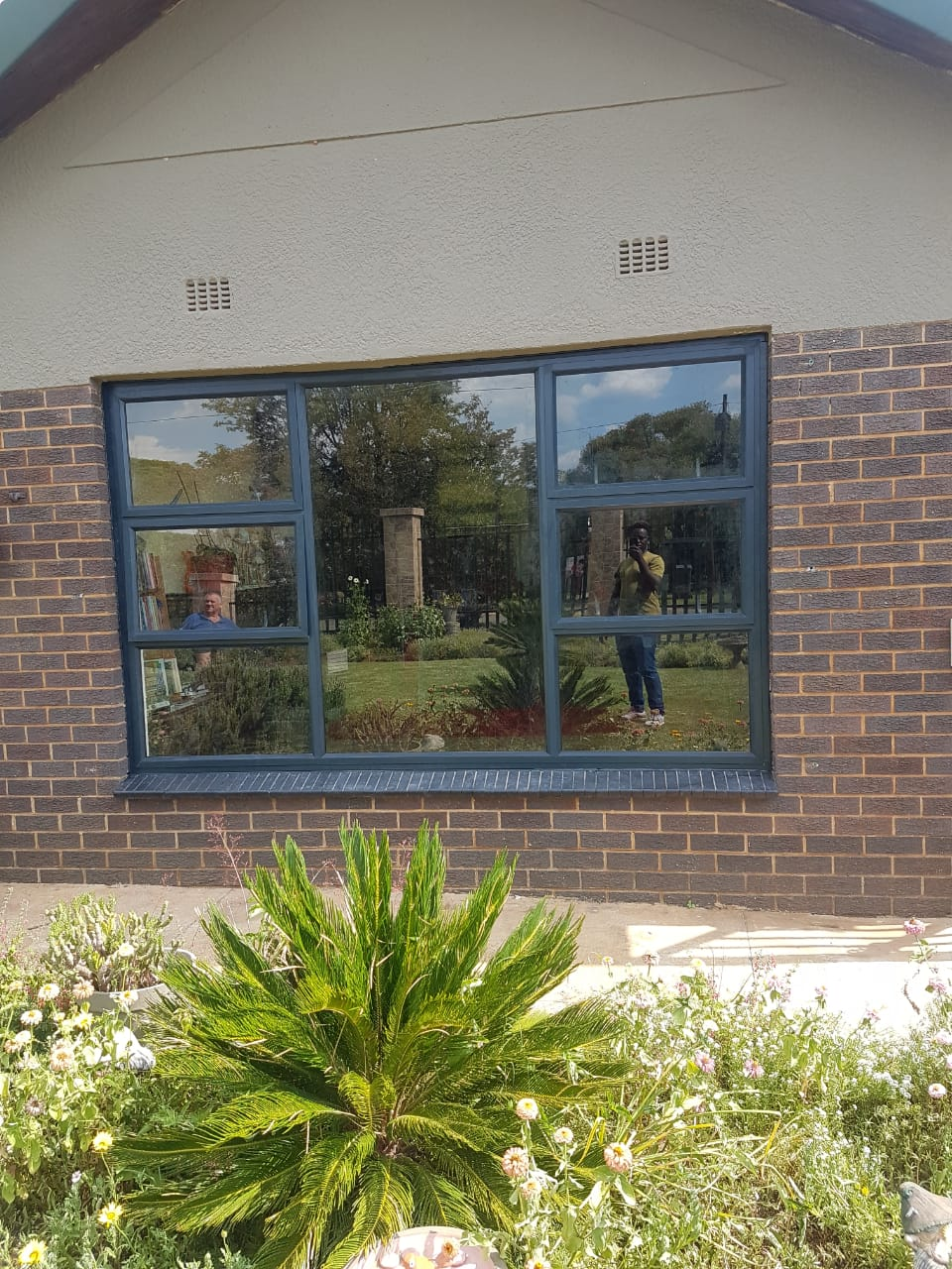 Swift 30.5 Top Hung Window, Charcoal, 6.38 Laminated S10 Silver Glass